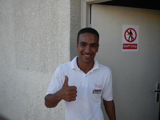 Reef Oasis Beach Resort : очень доброжелательный, милый и отзывчивый парень!!!! оооооочень были бы рады его увидеть еще ра