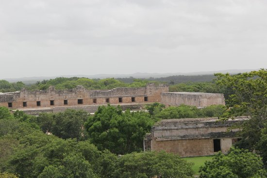 Grupo Auto Progreso: Uxmal-view from the top of the governor's palace