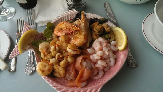 Sea Kitchen Looe: The beautiful seafood platter for one - enjoy!