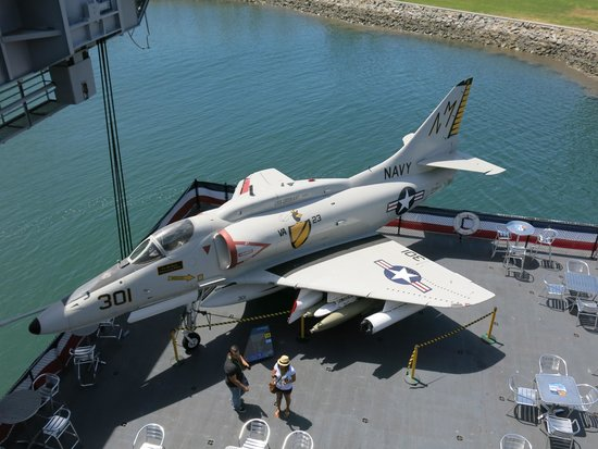Musée de l'USS Midway : One of many aircraft on the USS MIdway