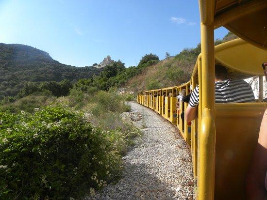 Il Parco Archeominerario di San Silvestro: la rocca vista dal trenino