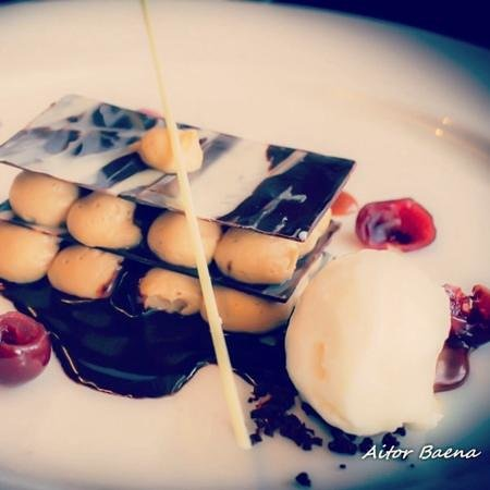 Kitchen and Bar : chocolate Mille-Fuille