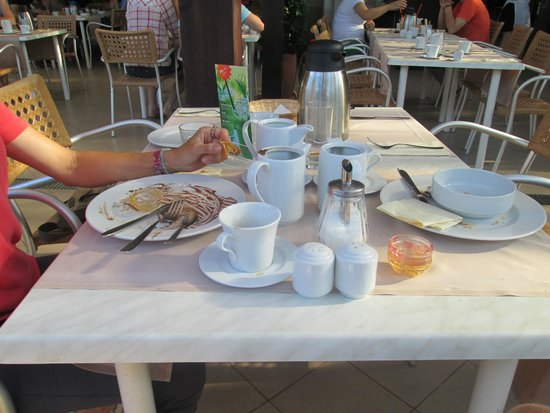 Valamar Pinia Hotel: colazione