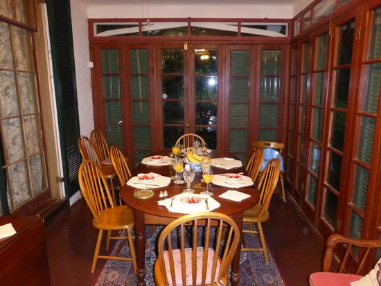 Glenfield Plantation Bed and Breakfast: Breakfast room