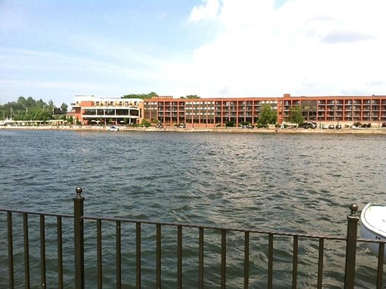 Best Western Plus Oswego Hotel And Conference Center: View of hotel from across river