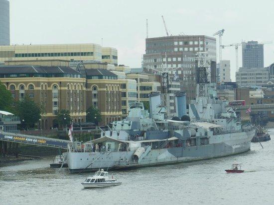 HMS Belfast: Vista da Tower Bridge