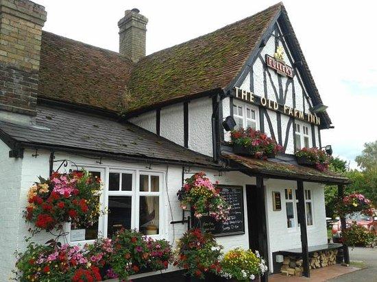 So Pretty Picture Of The Old Farm Inn Dunstable Tripadvisor