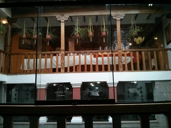 Amerinka Boutique Hotel: Looking up to 3rd floor
