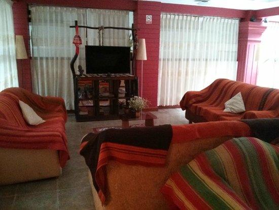 Amerinka Boutique Hotel: Communal Living room