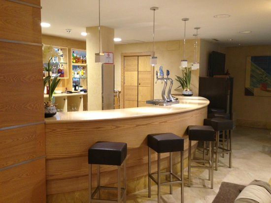 Eurostars Mijas Golf & Spa: Bar in reception area