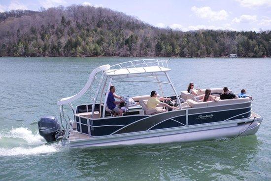 Mitchell Creek Marina & Resort : Boat Rentals Available