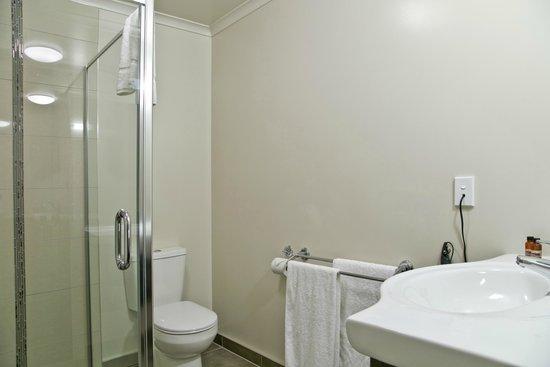 Brooklyn Motor Lodge: Bathroom