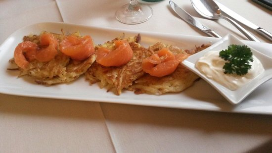 Melnie Muki: Potato pancakes with salomon delicious and much for a starter