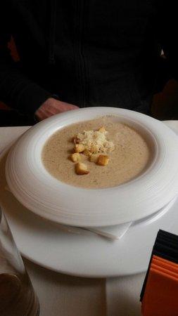 Melnie Muki: Mushroom soup