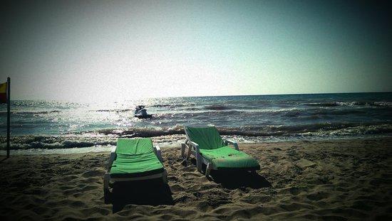 Palm Wings Beach Resort: море