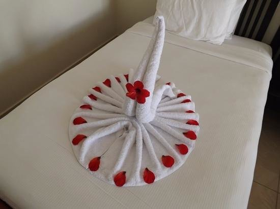 SENTIDO Reef Oasis Senses Resort : towel art