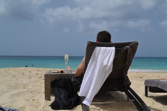 Four Seasons Resort and Residences Anguilla: Meads Bay beach