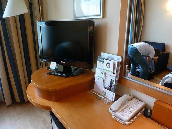 Holiday Inn Helsinki City Centre: TV