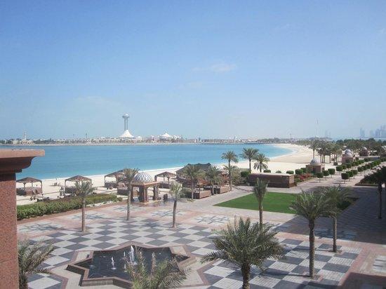 Emirates Palace: Vue sur la plage