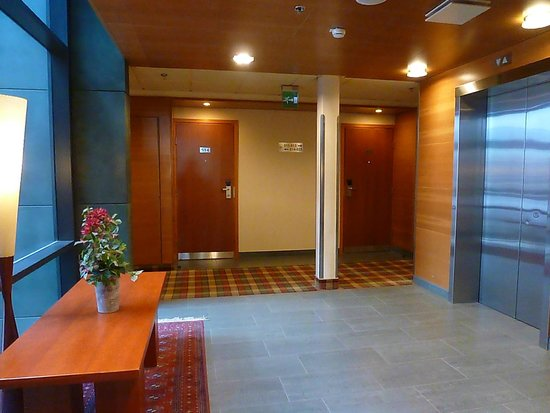 Holiday Inn Helsinki City Centre : Lift Foyer