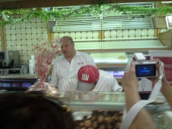 Carlo's Bakery : The bakery