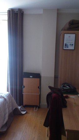 Hôtel Apollinaire : chambre
