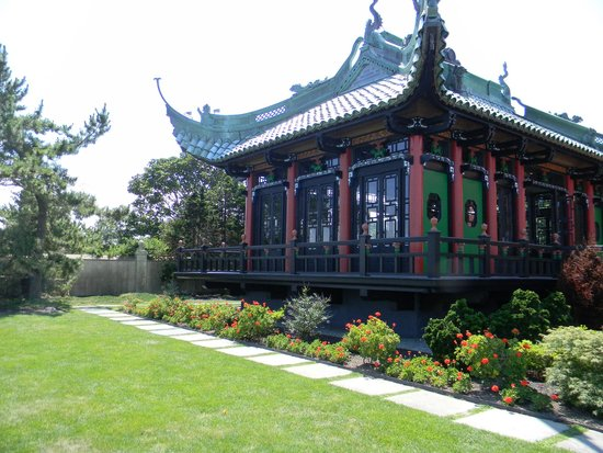 Newport Mansions: The Tea House