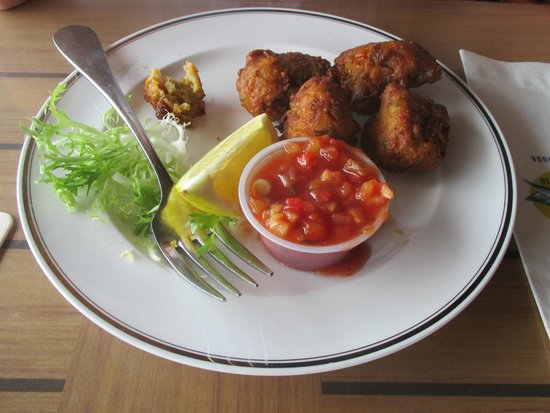 Wahoo's Waterside Bistro & Patio: Conch Fritters