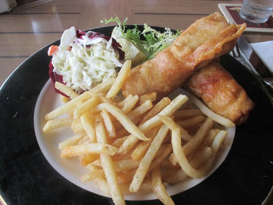 Wahoo's Waterside Bistro & Patio: Fish and chips