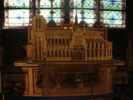 Notre-Dame de Paris: Plastico della Cattedrale