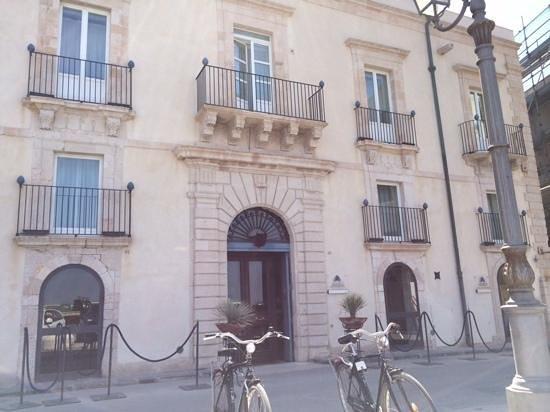 Algila Ortigia Charme Hotel : outside