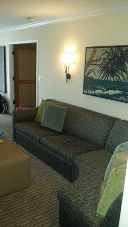 Fairmont Kea Lani, Maui: Living Room - We loved the sectional sofa