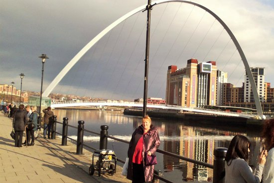 The Quayside : Newcastle - by the Tyne and its bridges. Wetherspoons 'Quayside' nearby.