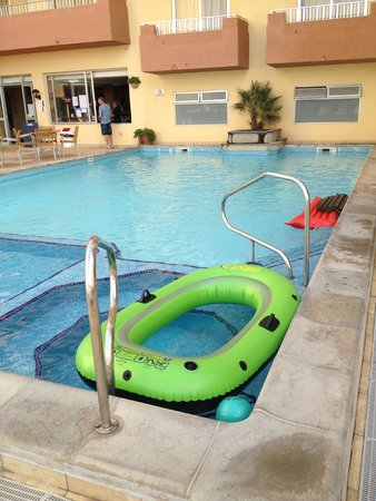 Luna Holiday Complex: swimming pool downstairs