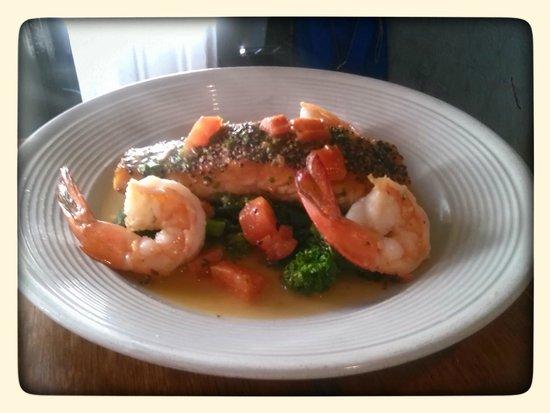 Cherubina Ristorante : Alaska Peppercorn salmon, shrimp,broccoli rabe,in a light lemon sauce