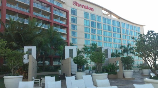 Sheraton Puerto Rico Hotel & Casino: Poolside