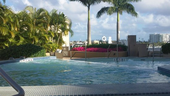 Sheraton Puerto Rico Hotel & Casino: Hot tub with a view