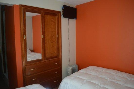 Pacha Hostel: la habitacion con tv plasma