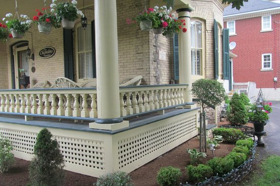 The Chisholms in Stratford: front porch