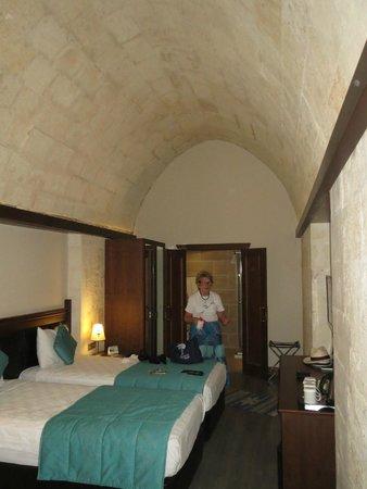 Sirehan Hotel : Room on the ground floor