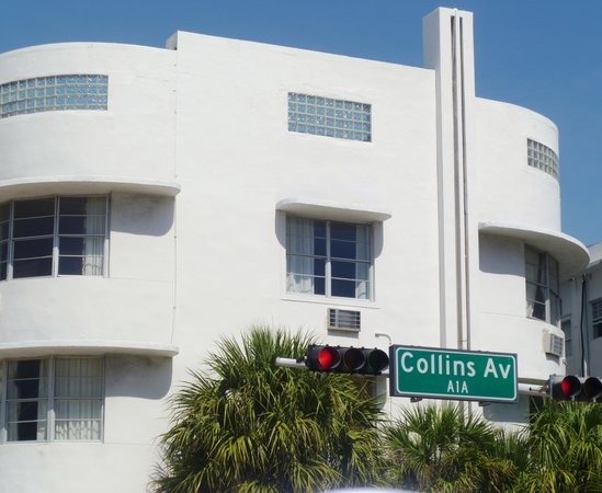 Delano South Beach Hotel: Collins Ave