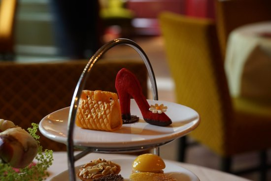 Museum of Bags and Purses: patisserie