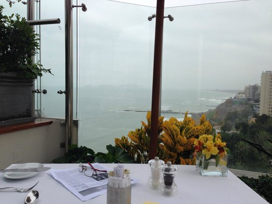 Belmond Miraflores Park: Breakfast buffet on the roof