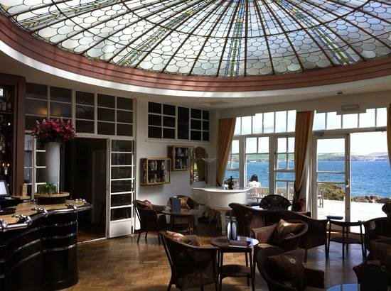 Burgh Island Hotel: the Peacock Bar - fabulous!