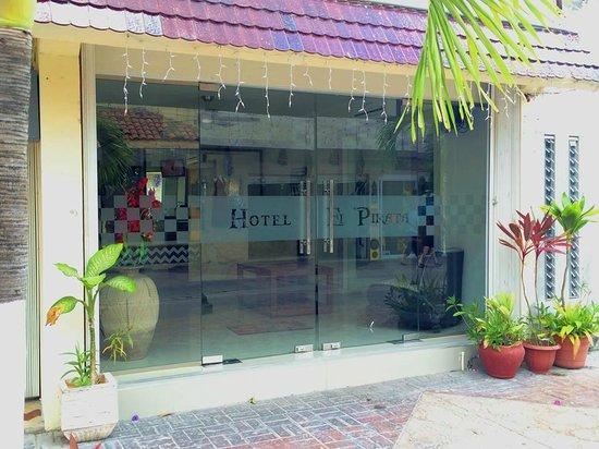 Hotel El Pirata