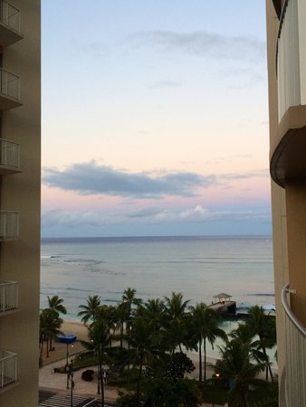 Aston Waikiki Beach Hotel: View from our partial ocean view balcony :). Loved waking up to this everyday!