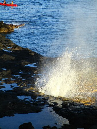 Spouting Horn : Sun hitting the Spray