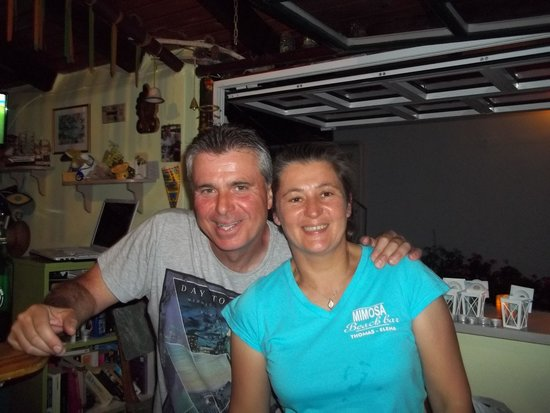 Mimoza Beach Bar : Thomas and Elena