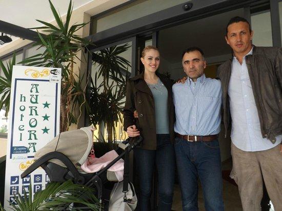 Hotel Aurora: Sofia Bruscoli  modella e showgirl con Marcelo Fuentes e la figlia Nicole affezionati dell'hotel