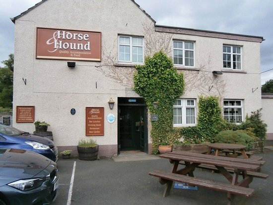 Horse and Hound: Front Of Horse & Hound